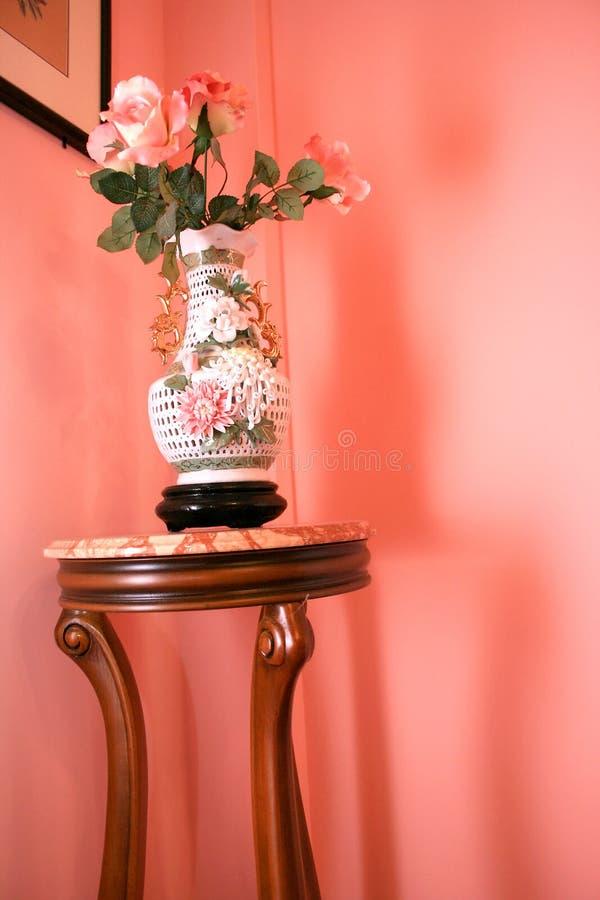 Vaso e flores imagem de stock