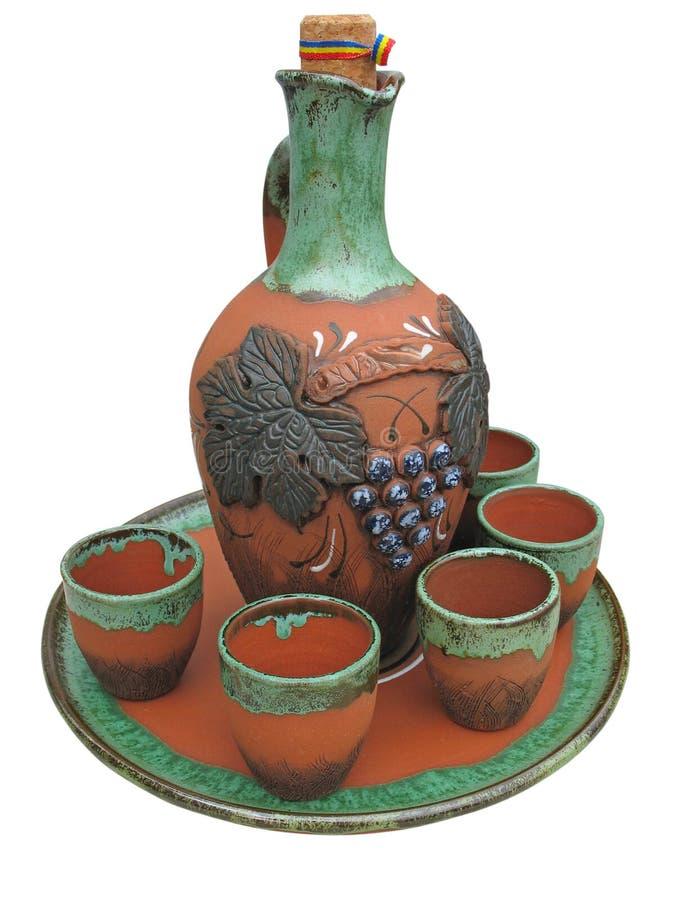 Vaso progettato variopinto dell'argilla isolato sopra bianco fotografie stock libere da diritti