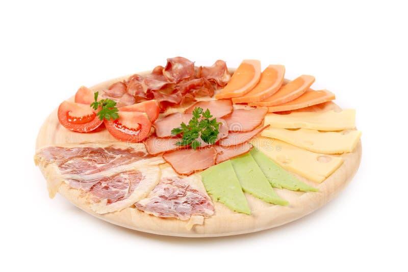 Vassoio del formaggio e della carne. fotografie stock libere da diritti