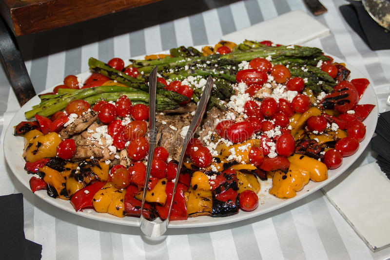 Vassoio di verdure del buffet di Hors Doeuvre fotografie stock