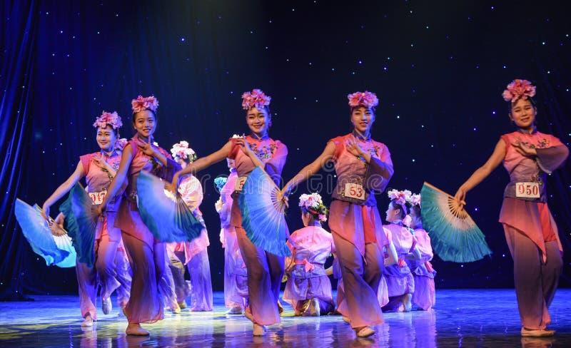 Vassträsk-kines folkdans arkivfoto
