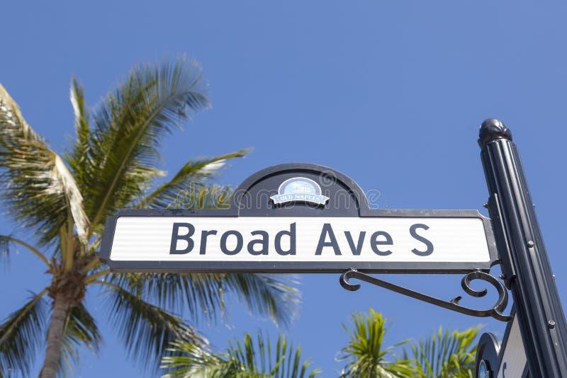 Vasto viale del sud a Napoli, Florida immagine stock libera da diritti