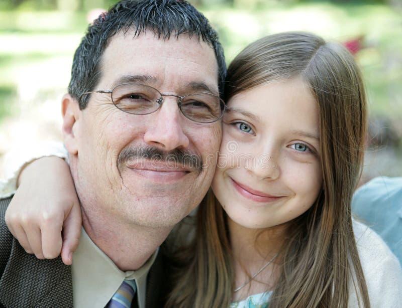 Vater-u. Tochter-Portrait lizenzfreies stockbild