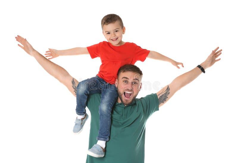 Vater und Sohn, die Spaß haben lizenzfreies stockbild