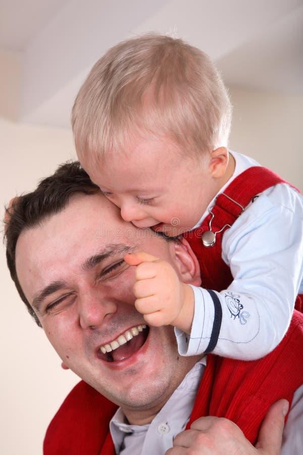 Vater-und Sohn-Portrait lizenzfreies stockbild