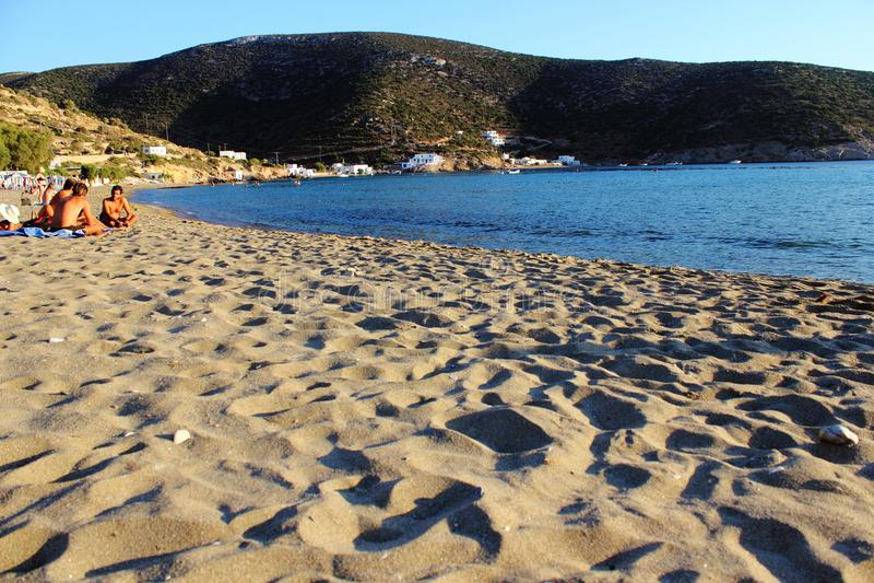 Vathi strand, Sifnos ö, Grekland arkivbilder