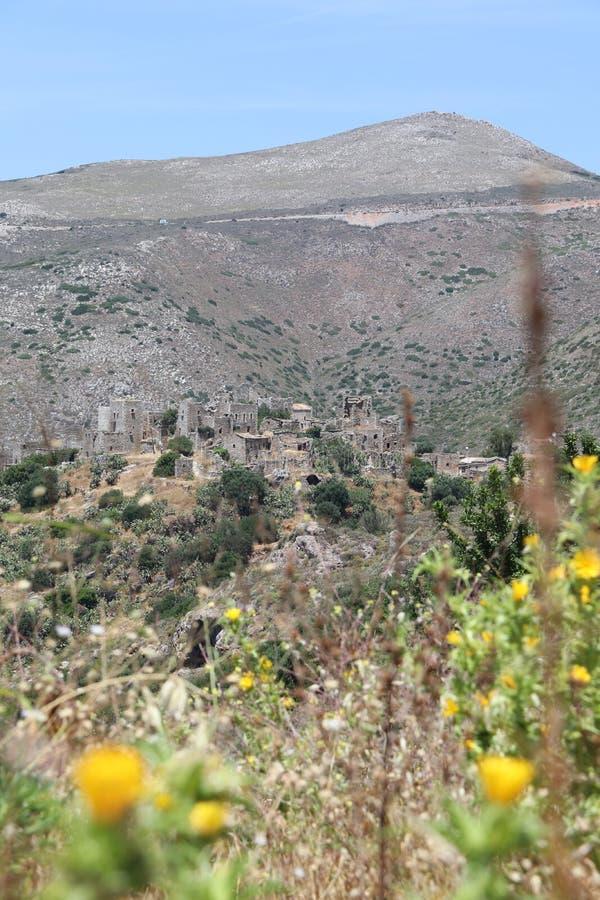 """Vathia †de """"verlaten spookstad in Mani, Peleponnese Griekenland stock foto's"""