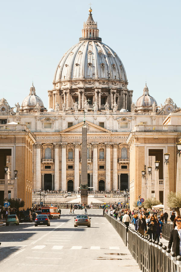 Vatican City basilika av St Peter Via dellaen Conciliazione i Rome Italien royaltyfri fotografi
