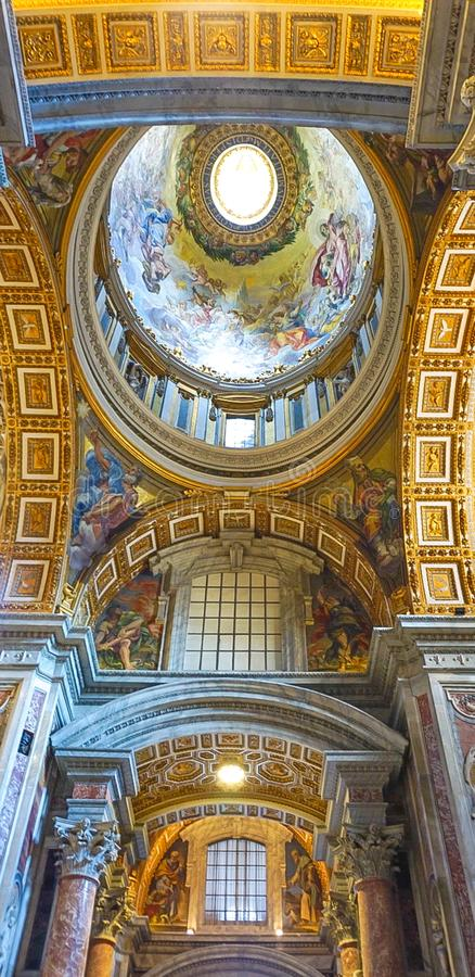 VATICAN CITY, ITALY: OCTOBER 11, 2017: The interior of St Peter`. S Basilica Cathedral in Rome royalty free stock photos