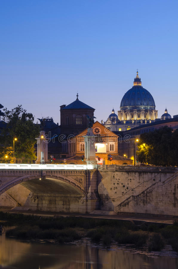 Vatican durch Sonnenuntergang stockfotografie