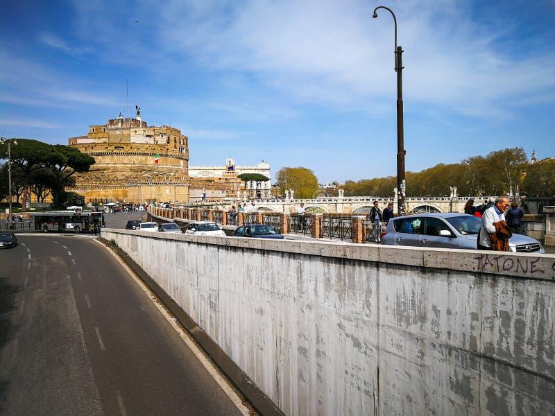 Vatican Lungotevere et Sant Angelo Castle à Rome, Italie photographie stock libre de droits