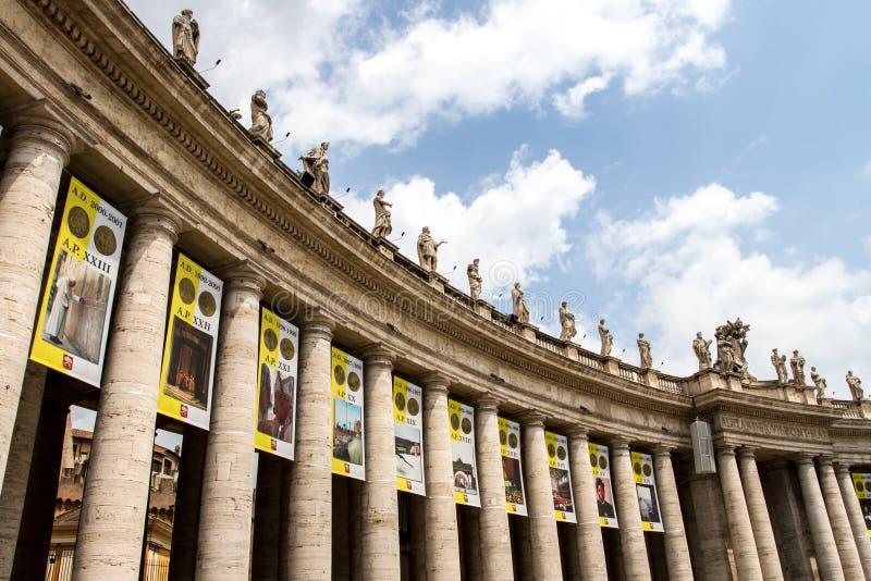Vaticanenkolonner royaltyfria foton