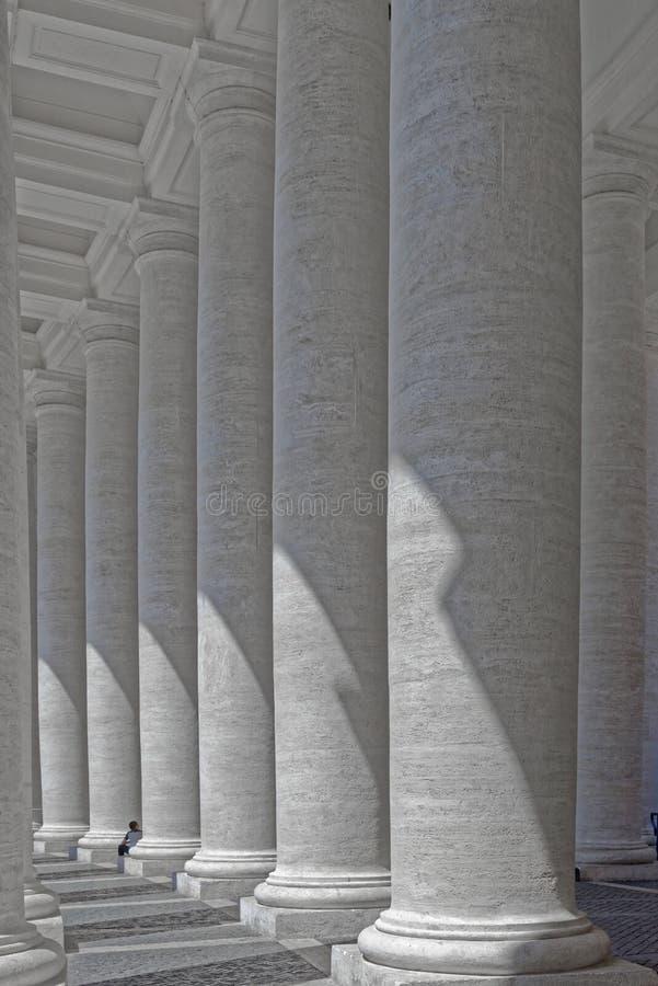 Vaticanenkolonner royaltyfri fotografi