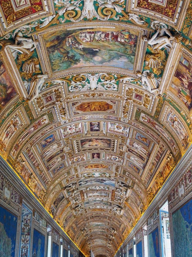 Vaticanentak, färgglade freskomålningar, biblisk plats fotografering för bildbyråer