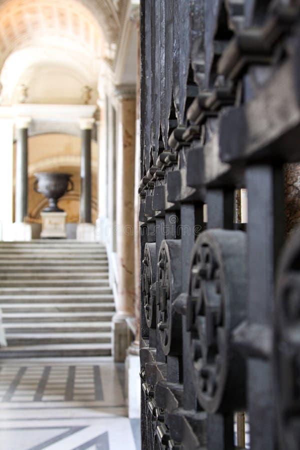 Vaticano da porta do ferro imagens de stock royalty free