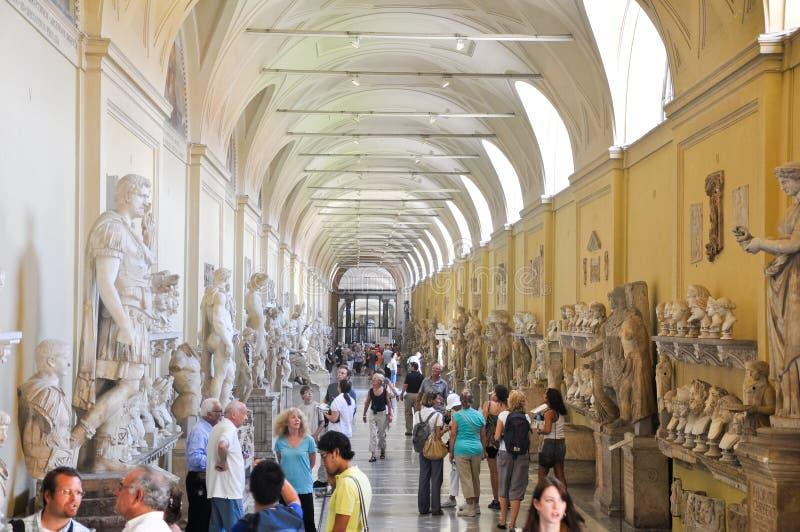 VATICANO - 20 DE JULIO: Estatua del delle del Galleria el 20 de julio de 2010 en museo del Vaticano. fotografía de archivo libre de regalías