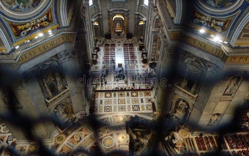 Vaticano del interior de Peter Basilica del santo imágenes de archivo libres de regalías
