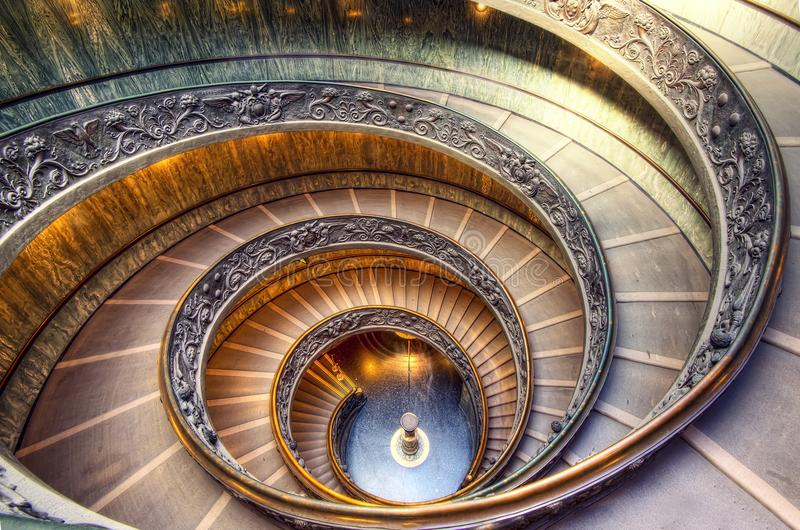 Vatikan-Treppenhaus lizenzfreie stockfotografie