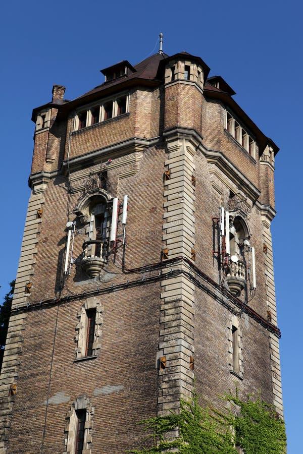 vatten för aradromania torn royaltyfria bilder