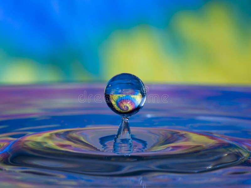 vatten för droppfärgtye royaltyfri bild