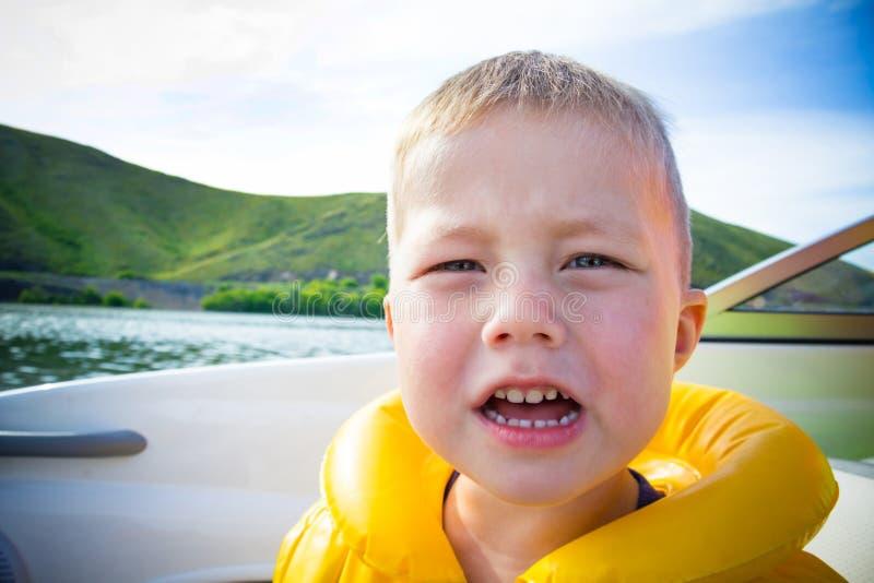 vatten för fartygbarnlopp royaltyfri bild