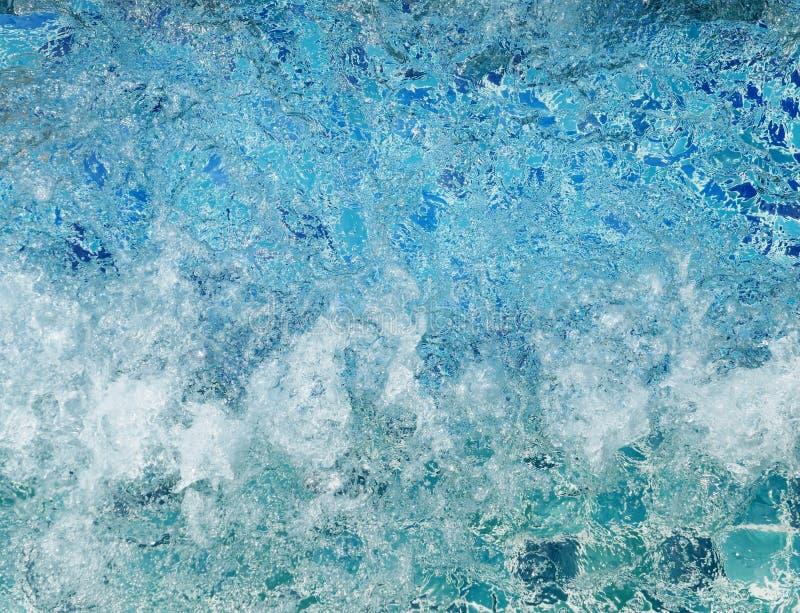 Vatten i bubbelpool arkivbild