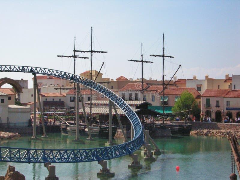 Vattendragningar parkerar in port Aventura Spanien arkivfoton