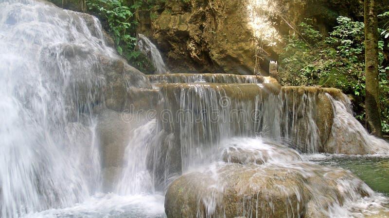 Vattenfall altaret royaltyfria bilder
