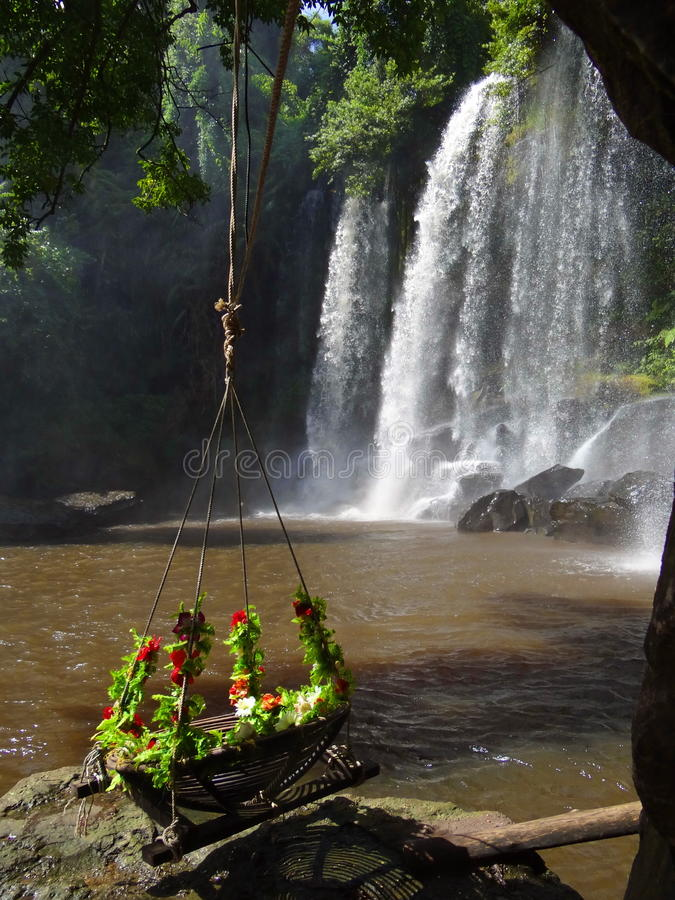 Vattenfall Cambodja royaltyfri fotografi