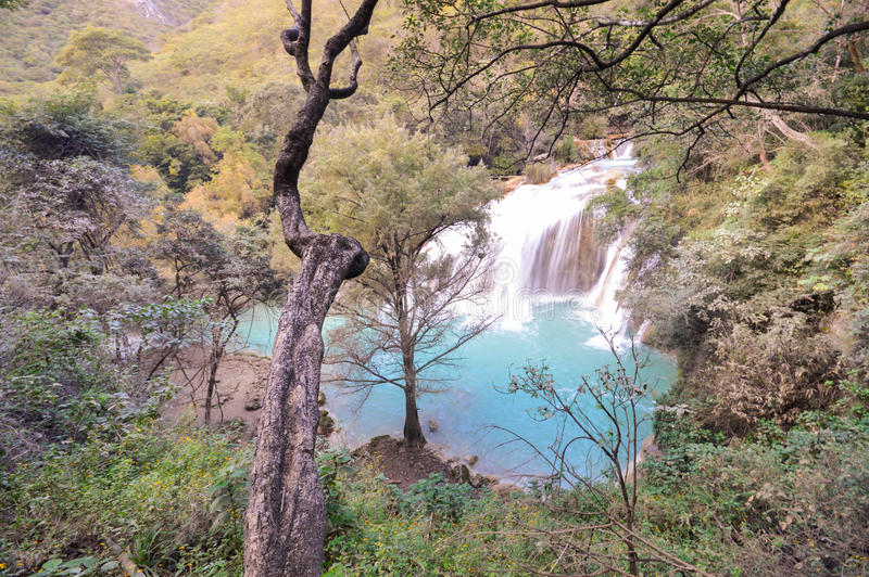Vattenfall för El Chiflon nära Comitan i Chiapas, Mexico arkivfoton