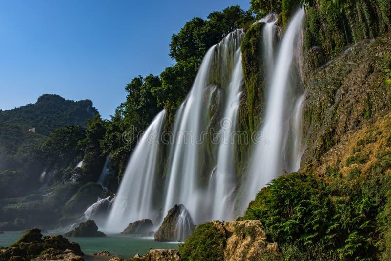 Vattenfall för förbud Gioc - Detian i Vietnam royaltyfri foto