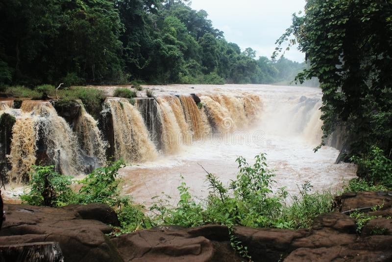vattenfall för phasuamtad royaltyfri bild