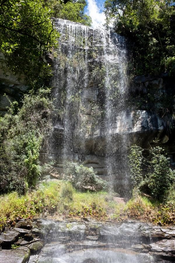 Vattenfall i Champagne Valley som bildar delen av den centrala Drakensberg bergskedjan, Kwazulu Natal, Sydafrika arkivfoton