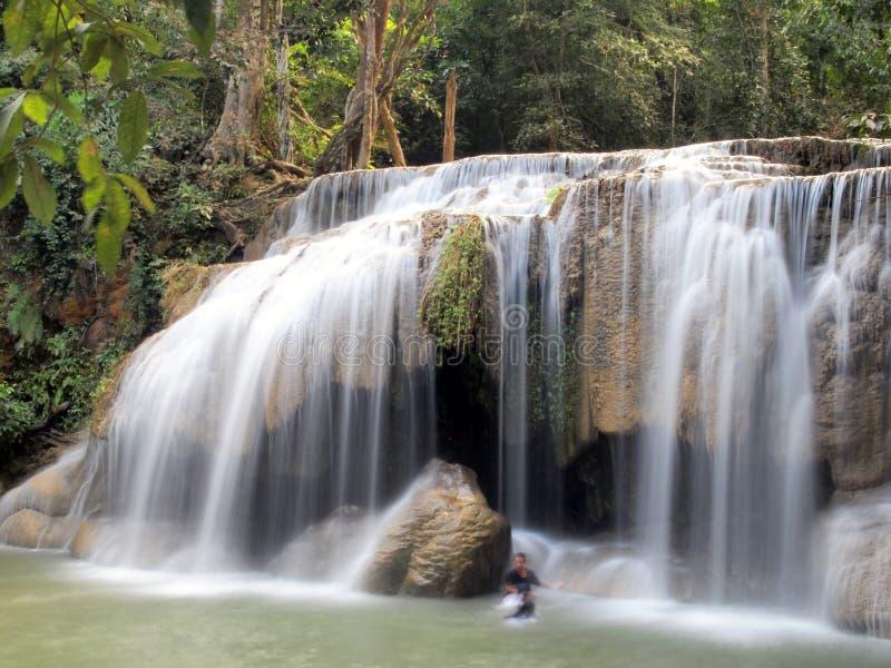 Vattenfall i den Erawan nationalparken arkivfoton