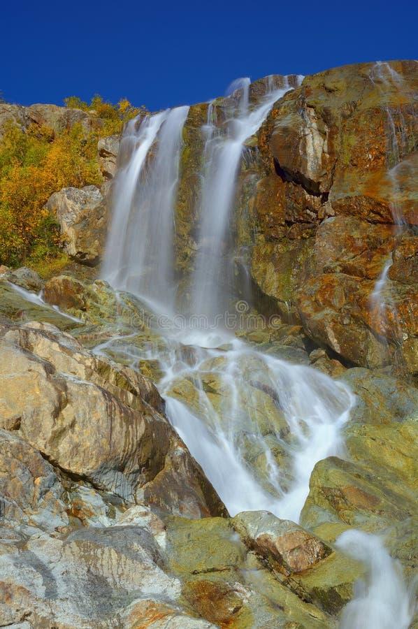 Vattenfall i Dombaj arkivfoto