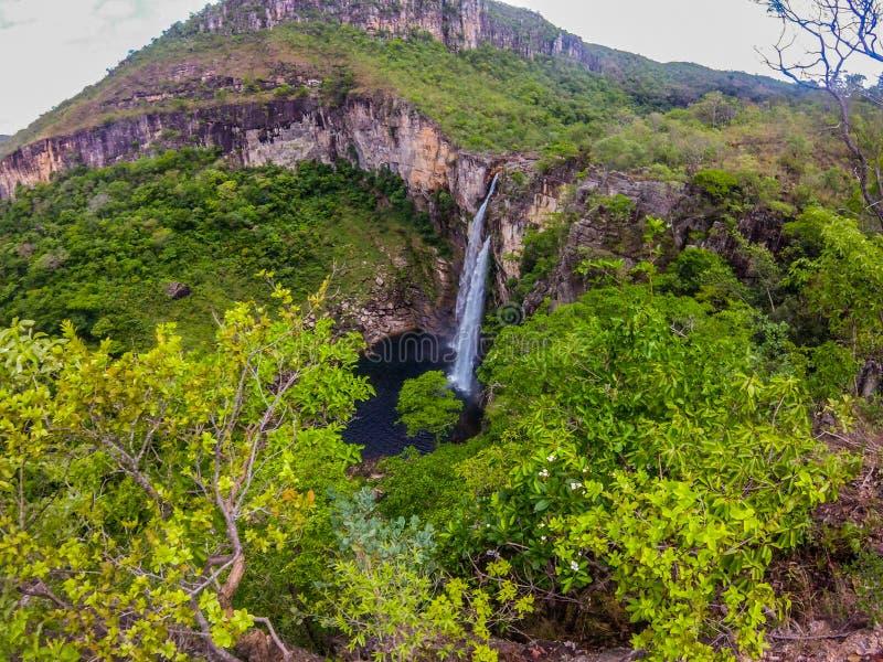 Vattenfall i en nationalpark i Brasilien arkivfoto