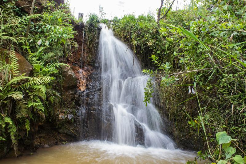 Vattenfall i natur royaltyfria foton