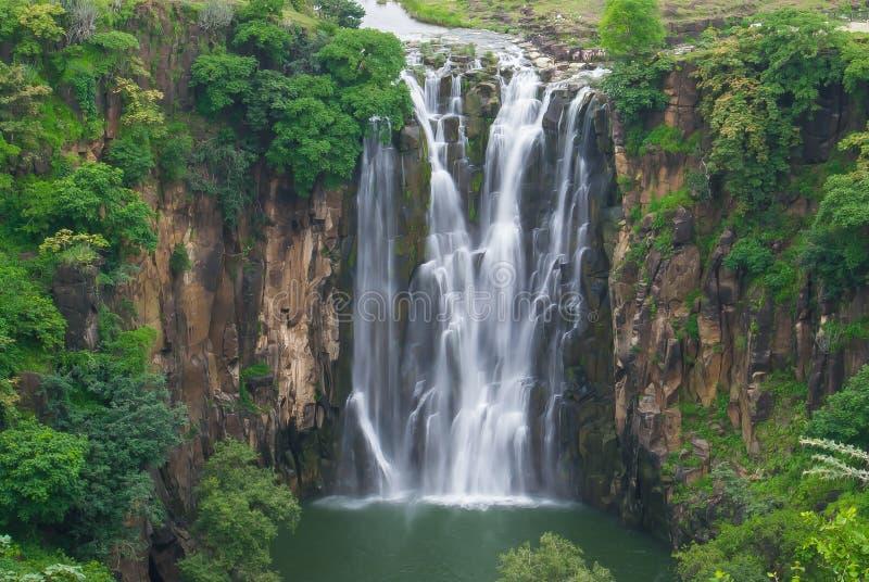 Vattenfall Patalpani Indore royaltyfri foto