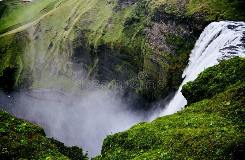 Vattenfall Skogafoss i Island royaltyfria foton