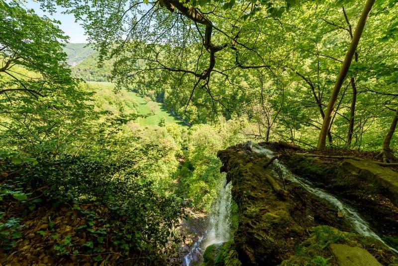Vattenfallet av d?liga Urach, Swabian Alb, Baden-Wuerttemberg, Tyskland, Europa royaltyfri fotografi