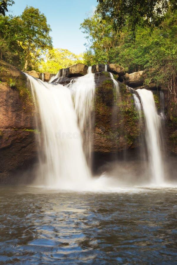 Vattenfallet namnger `-Haew Narok `, Thailand arkivbild