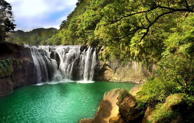 Vattenfalllandskap arkivfoto