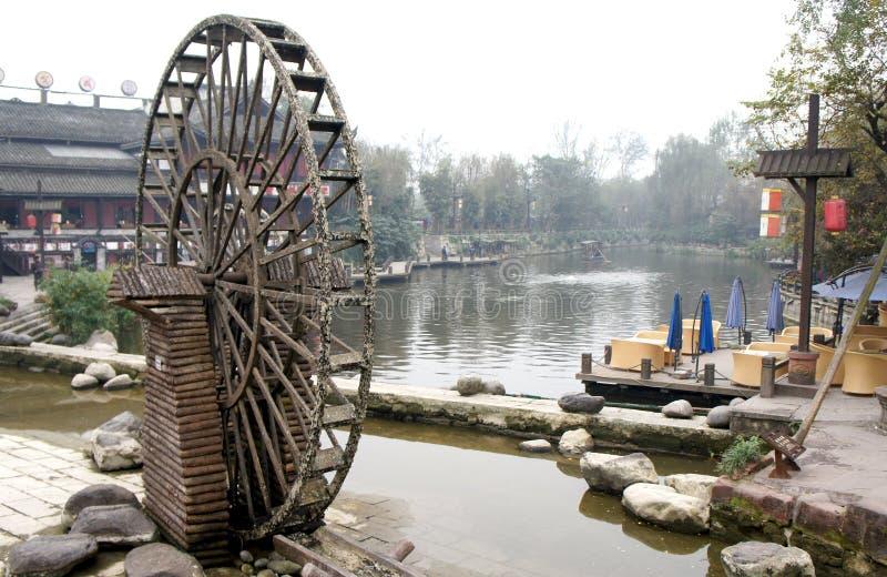 Vattenhjul i porslin arkivfoto