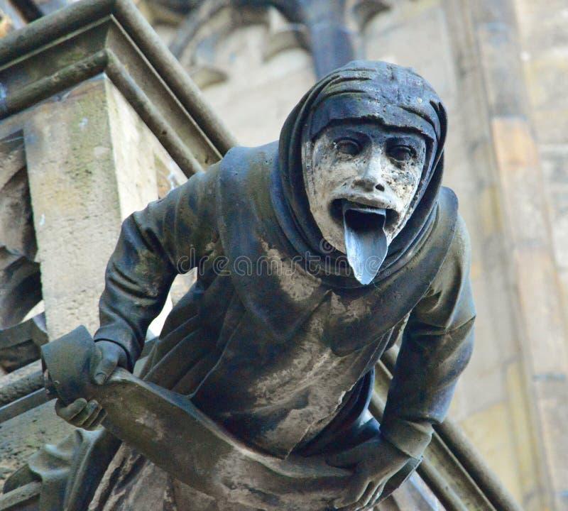 Vattenkastare 3 - arkitektonisk detalj på St Vitus Prague Cathedral, Tjeckien royaltyfria foton