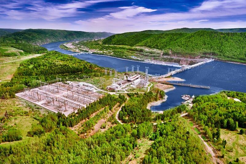 Vattenkraftstation i Krasnoyarsk royaltyfri foto