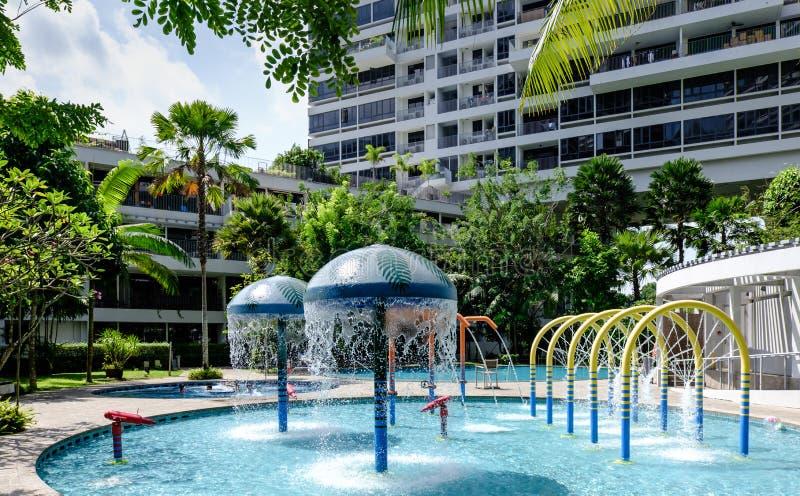 Vattenlekplats av den tropiska nöjesfältdagsikten fotografering för bildbyråer