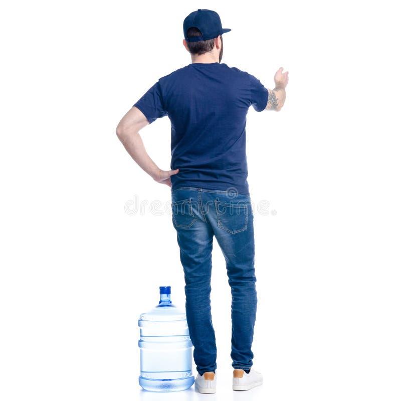 Vattenleveransman i blå t-skjorta och lockvisning royaltyfri foto