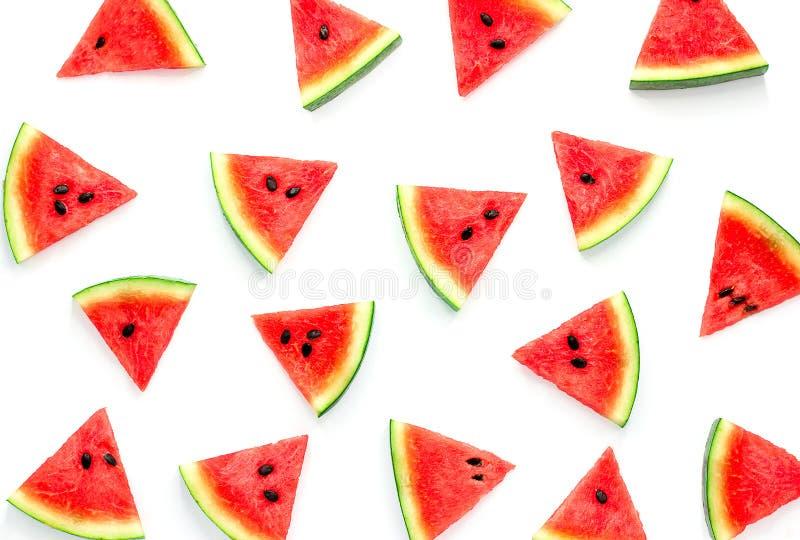 Vattenmelonskiva som isoleras på vit bakgrund, fruktbakgrund arkivbild