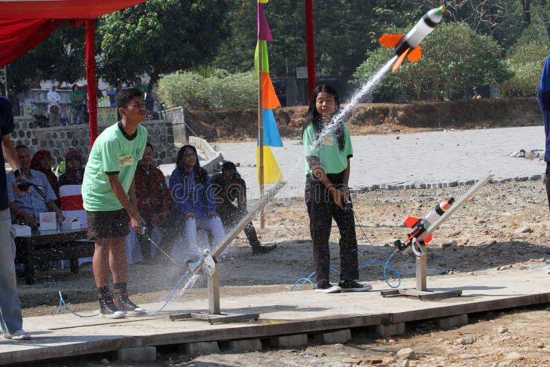 Vattenraket fotografering för bildbyråer