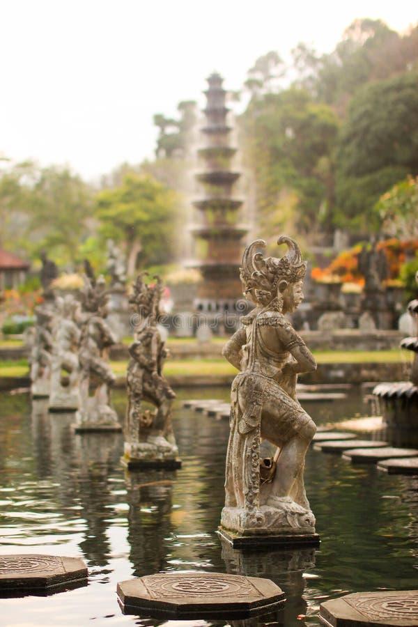 Vattenslott av Tirta Gangga i östliga Bali, Karangasem, Indonesien arkivbilder